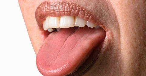 Wichtige Nachrichten für alle, die ihre Zunge mit der Zahnbürste putzen