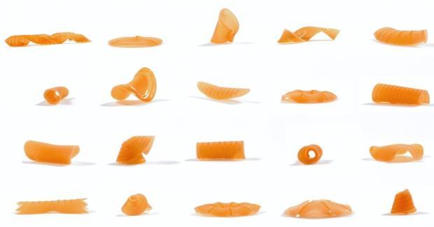 Nudeln, die beim Kochen ihre Form verändern