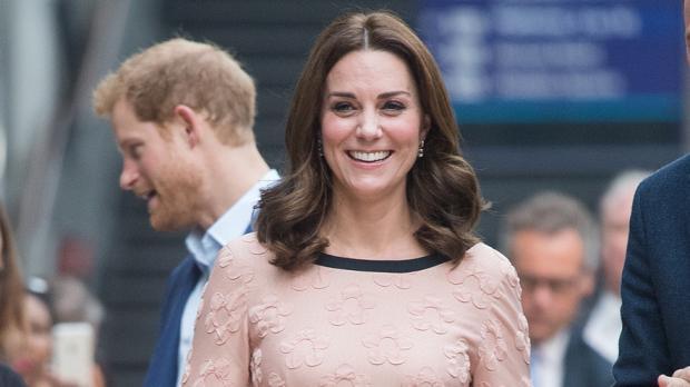 Kate Middleton trägt niemals farbigen Nagellack
