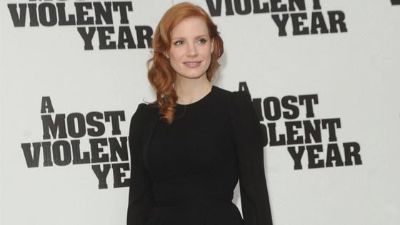 Warum tragen die Schauspielerinnen bei den Golden Globes Schwarz?