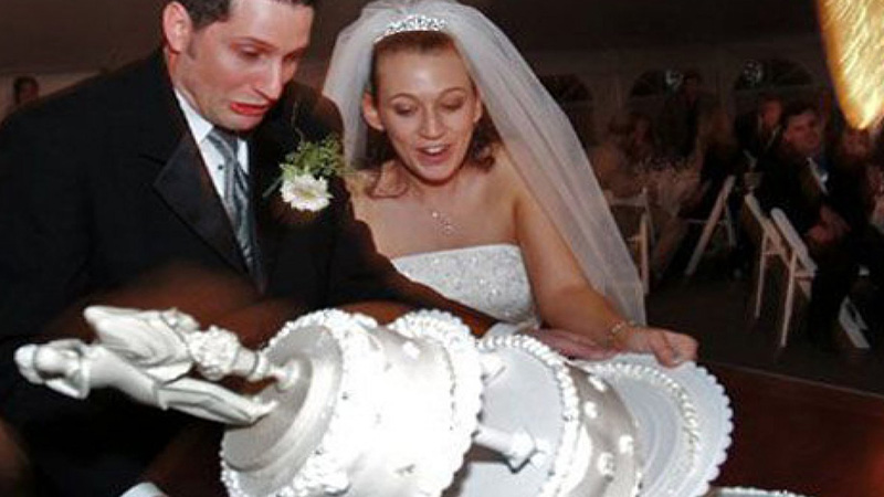 Misslungene Hochzeitstorten: Dabei sollte es doch der schönste Tag ihres Lebens werden