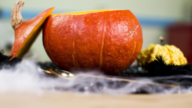 Heiße Hokkaido-Kürbiscremesuppe für Halloween…