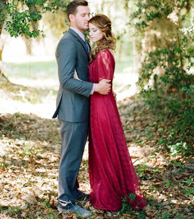 15 Brautkleider für Bräute, die nicht in Weiß heiraten wollen