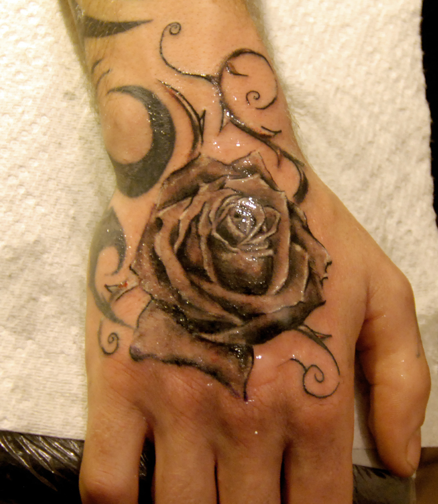 Tattoo rosen oberarm frauen EROSPA® Tattoo