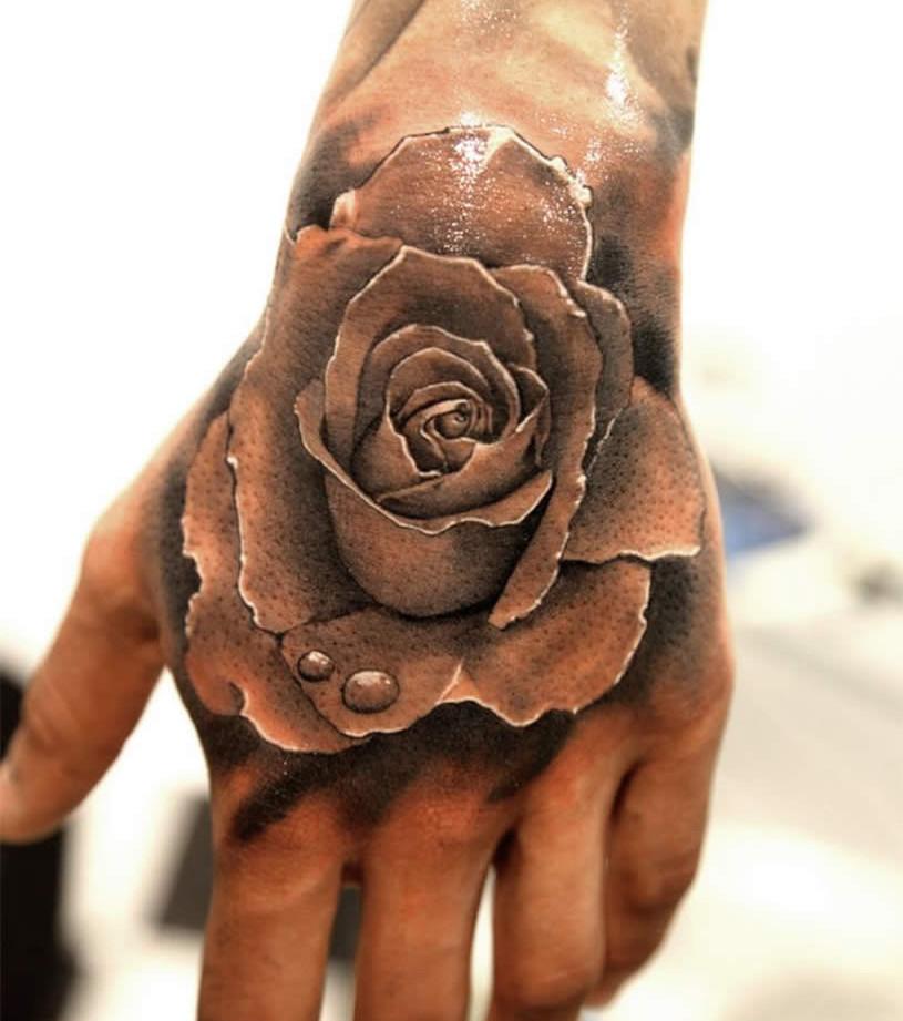 Tattoo rosen oberarm frauen Rosen Tattoo