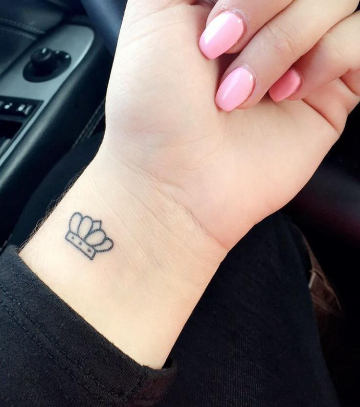 Kronen Tattoo 20 Tattoo Ideen Für Frauen