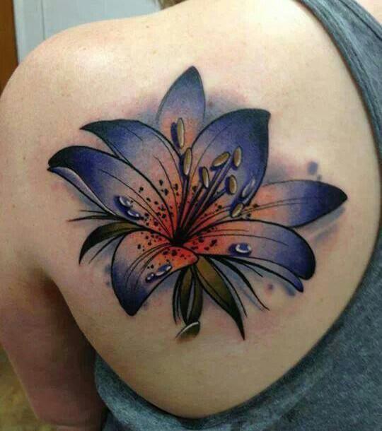 Lilien Tattoo 20 Blumige Tattoo Ideen Zur Inspiration