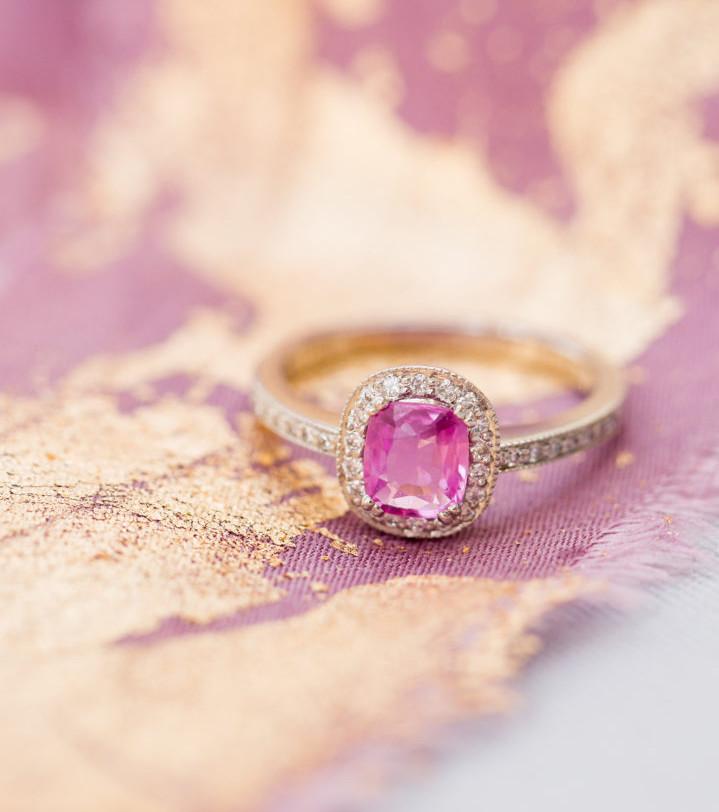 London Victorian Ring - Ring mit Diamanten und rosa Saphir, 1800 Euro