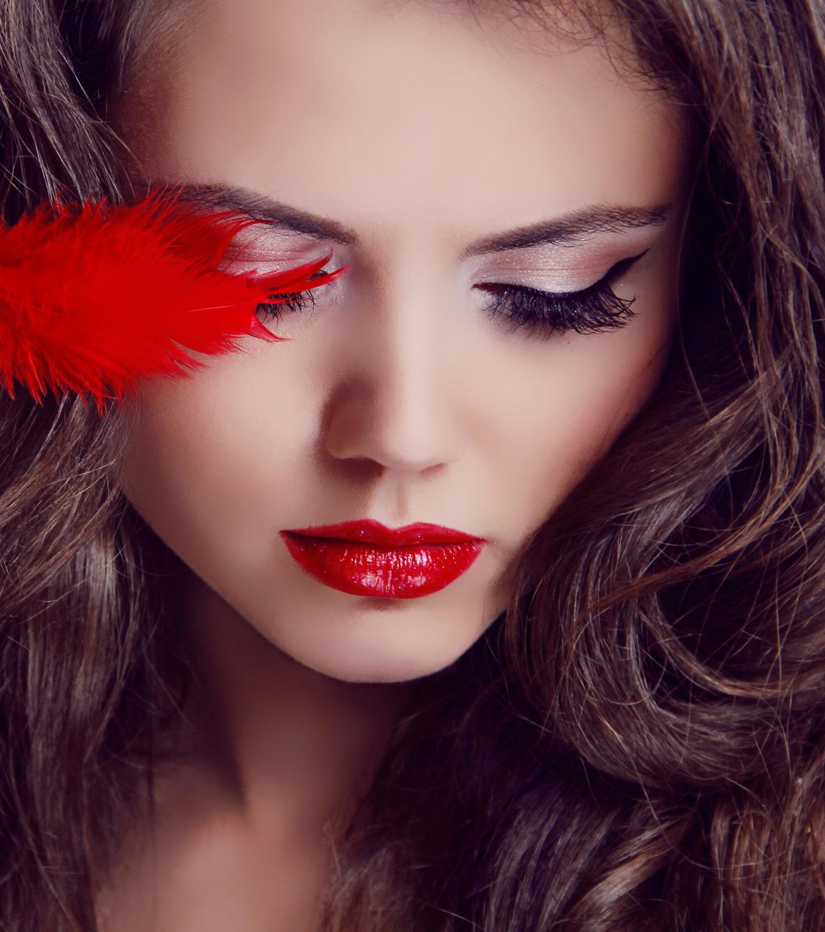 Ein glamouröses Make-up für den Valentinstag