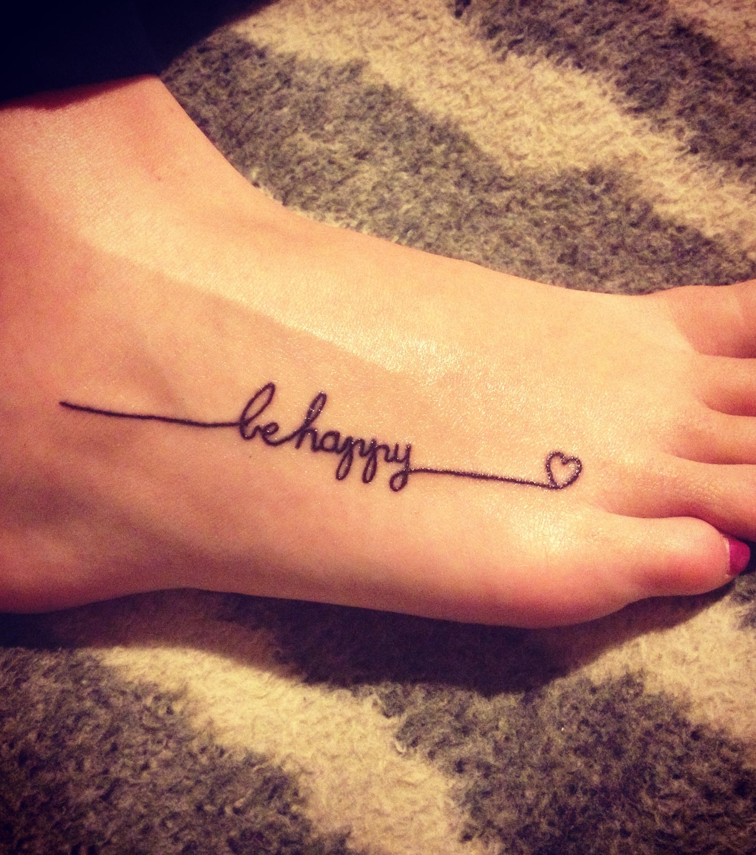 Fuß tattoo schriftzug