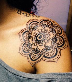 Tattoos für schulter schöne frauen Tattoo Ideen: