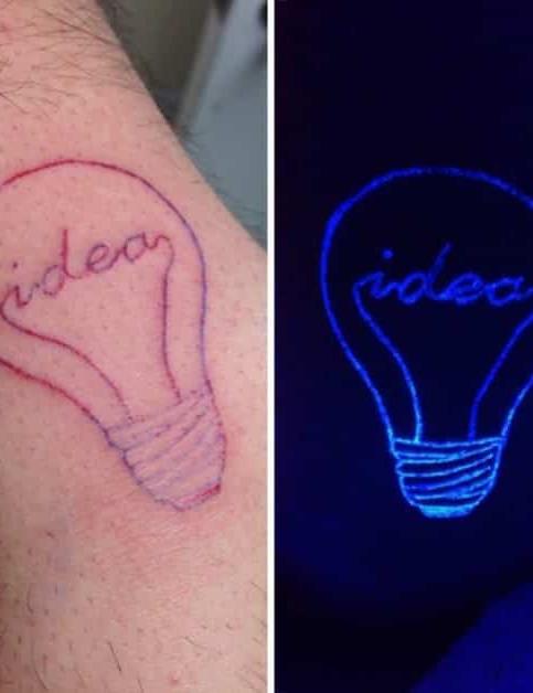 Schwarzlicht Tattoos Sie Entfalten Ihre Wirkung Wenn Es Dunkel Wird