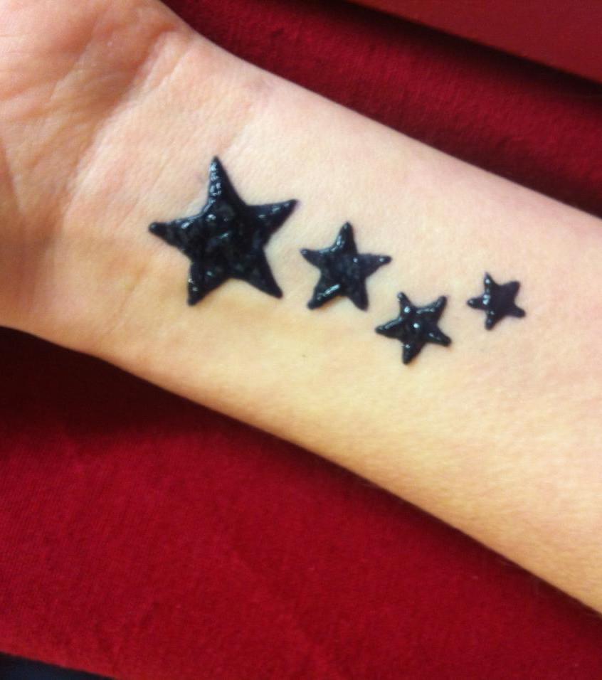 Stern Tattoo 20 Funkelnde Tattoo Ideen Zur Inspiration