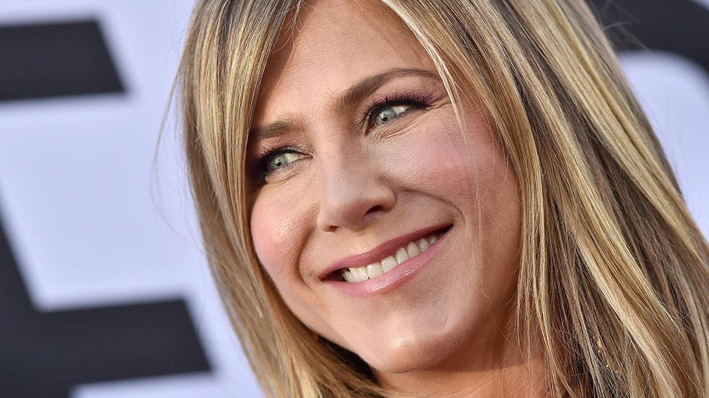 Echte Hundeliebe: Jennifer Aniston zeigt zum ersten Mal ihren putzigen Vierbeiner