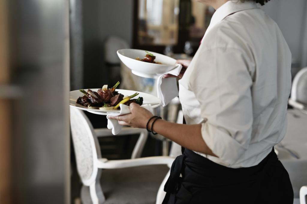 Besonderes Trinkgeld: Wie diese Aufmerksamkeit das Leben einer Kellnerin auf den Kopf stellte