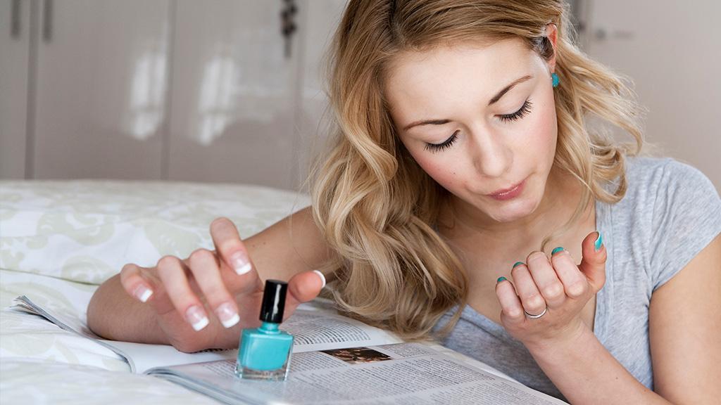 Schöne Nägel: Mit diesen Methoden trocknet dein Nagellack schneller