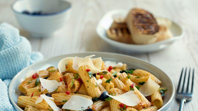 Ideal für den Sommer: 15 leckere Nudelsalat-Rezepte