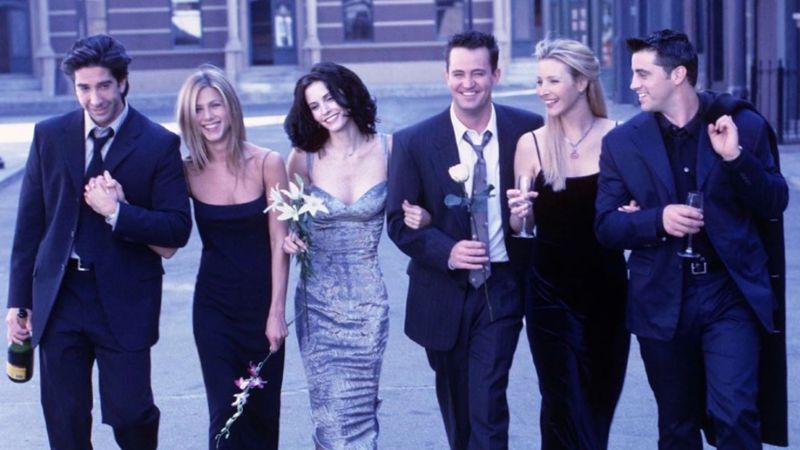 Friends 17 Jahre später: Schauspielerin von Baby Emma reagiert auf Chandlers Witz