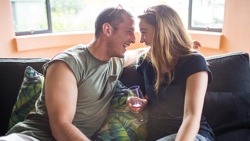 Versucht, auf dating-apps zu gehen
