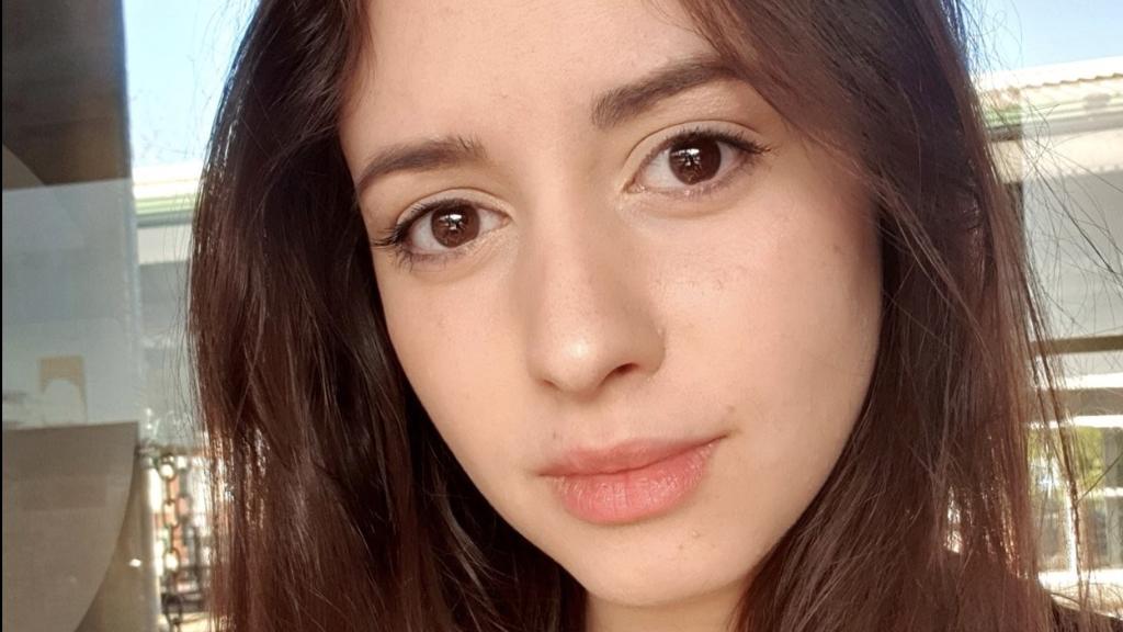 Streamerin flucht auf Twitch: Aus diesem Grund darf sie