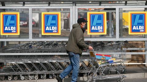 Insider erklärt: Darum gibt es den Teppich am Supermarkteingang