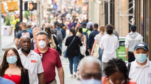 Herdenimmunität in Deutschland nicht erreichbar: Experte äußert sich zu steigenden Zahlen und Impfungen