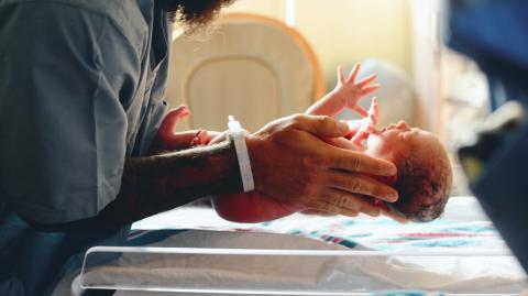 Auswirkungen der Pandemie: Geburtenrate in wohlhabenden Ländern geht zurück!