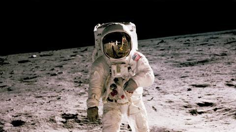 Vereinigte Arabische Emirate: Erste Frau wird zur Astronautin ausgebildet