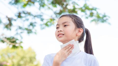 13-Jährige hat ständig Hitzewallungen: Dann machen Ärzte eine traurige Entdeckung