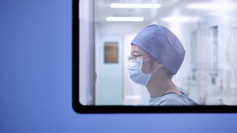 Schwangere infiziert sich mit Coronavirus, dann haben die Ärzte nur eine Lösung