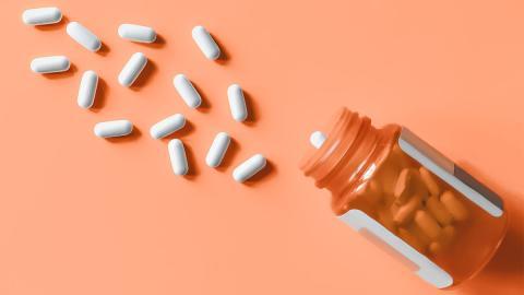 Achtung vor Selbstmedikamentation: Diese Medikamente sind extrem schädlich für deine Nieren