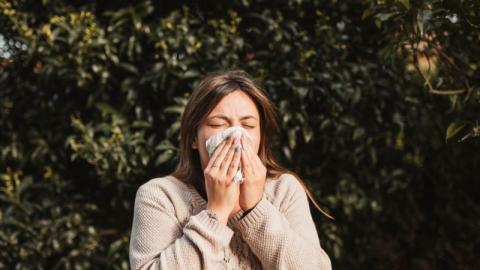 Sommerallergien: So unterscheidet ihr sie ganz leicht vom Coronavirus
