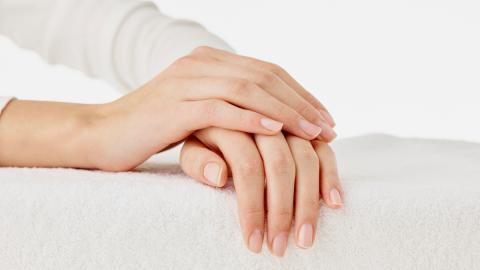 Eure Fingernägel verraten viel über eure Gesundheit