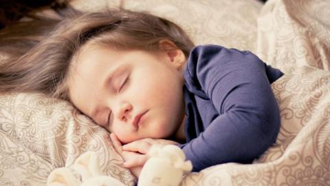 Diese 3-Jährige benötigt nur 90 Minuten Schlaf pro Nacht