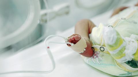 Corona-Ansteckung im Mutterleib? Antikörper in Baby nachgewiesen