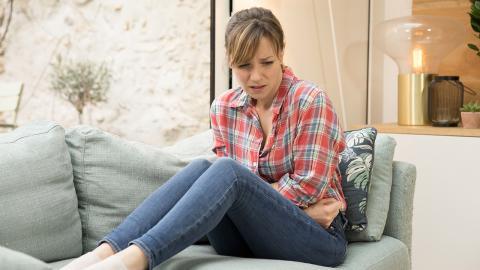 Fünf natürliche Mittel gegen Bauchschmerzen