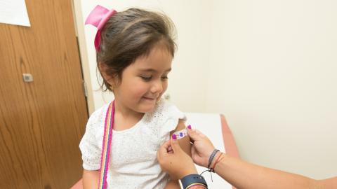 Corona-Impfung: AstraZeneca testet Wirksamkeit jetzt auch an Kindern