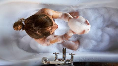 Ekelig: Diesen Körperbereich vergessen die meisten Leute zu waschen