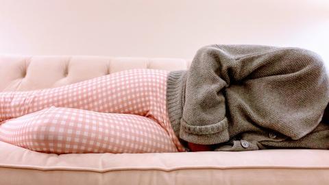 Neun Tipps, um Regelschmerzen auf Dauer loszuwerden