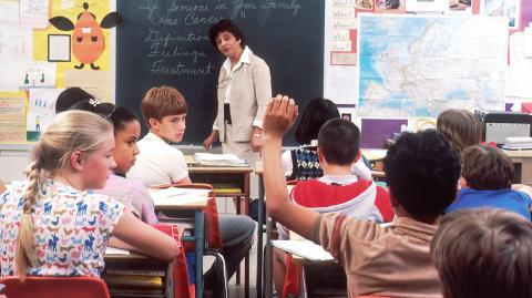 Impfung für Kinder im Herbst: Ärtzeverband warnt vor Massenimpfung in der Schule