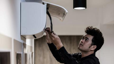 Luftfilter in Schulen - Laut Stuttgarter Studie kein Ersatz für richtiges Lüften
