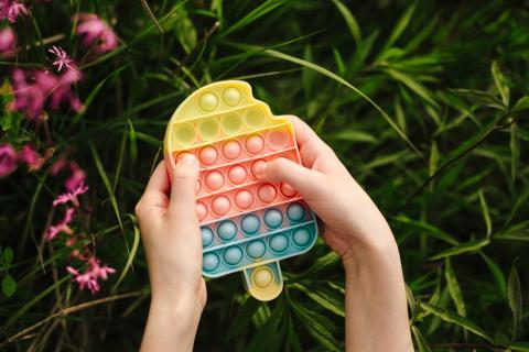 Pop-it: Neuer Spielzeug-Hype zur Stressbewältigung