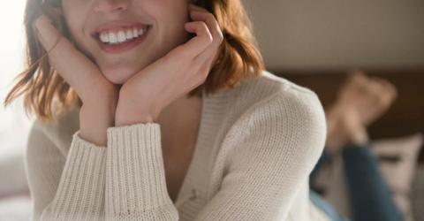Zahnstein: 5 Hausmittel für belagsfreie Zähne