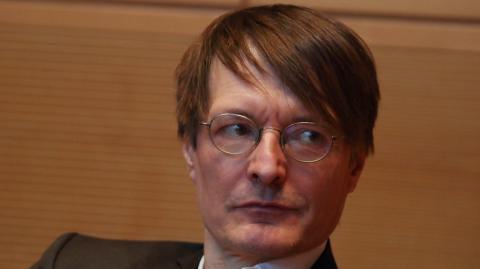 """Lauterbach warnt: """"Ich würde niemandem empfehlen, sich freiwillig zu infizieren"""""""