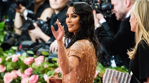"""Kanye West findet Kims Kleid """"zu sexy"""": Kims Reaktion ist unfassbar"""