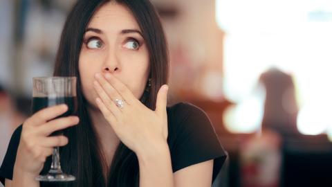 Frau leidet jahrelang unter Schluckauf: Dann entdecken Ärzte den wahren Grund