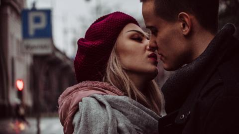 Emotionale Abhängigkeit: Diese Sternzeichen suchen viel Nähe in der Liebe
