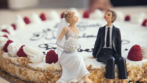 Frau entdeckt einen Tag nach Hochzeit schreckliches Geheimnis ihres Mannes