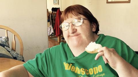 """Sie wird als """"zu hässlich für Selfies"""" beleidigt: Dann zeigt sie, wer sie wirklich ist"""