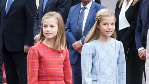 Kronprinzessin Leonor von Spanien: Mit diesem Trick macht sie sich genauso groß wie ihre Schwester